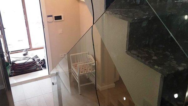 camli-paslanmaz-merdiven-korkuluk-modelleri(1)