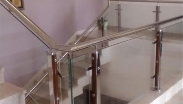 camli-paslanmaz-merdiven-korkuluk-modelleri(3)
