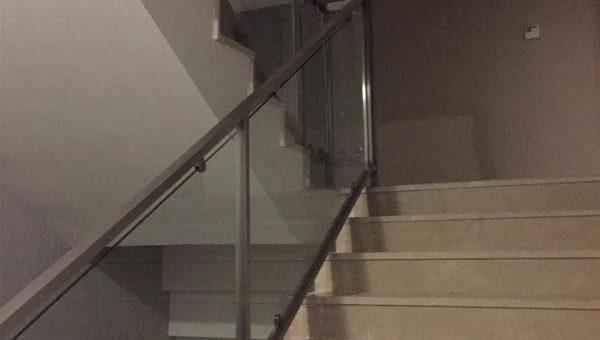 camli-paslanmaz-merdiven-korkuluk-modelleri(8)