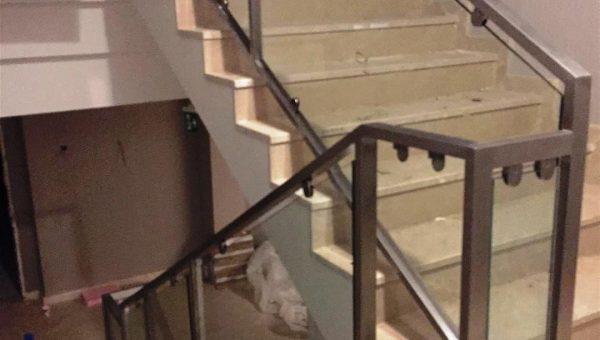 camli-paslanmaz-merdiven-korkuluk-modelleri(9)
