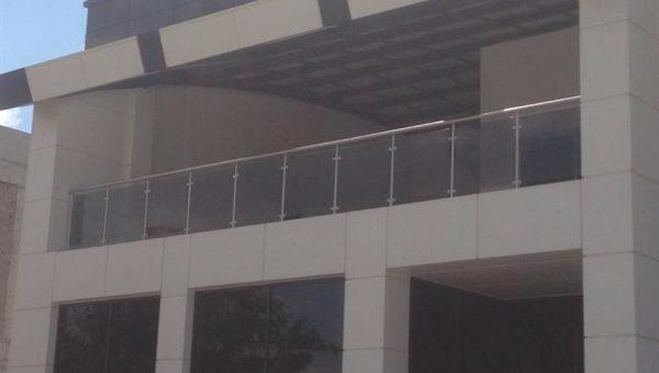 camli-paslanmaz-merdiven-korkuluk-resimleri(33)