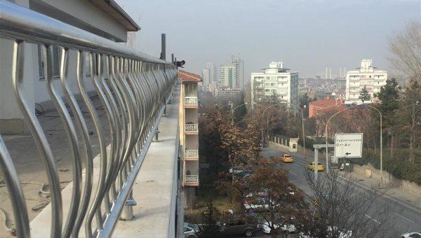 dikey-emniyetli-paslanmaz-balkon-korkuluk-modelleri (14)