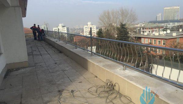 dikey-emniyetli-paslanmaz-balkon-korkuluk-modelleri (15)