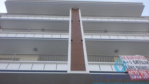 dikey-emniyetli-paslanmaz-balkon-korkuluk-modelleri (7)