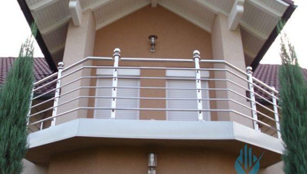 paslanmaz-balkon-korkulugu-modelleri