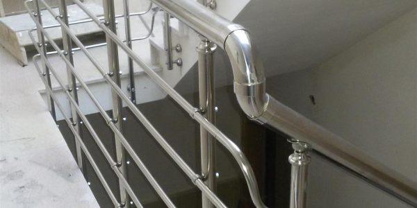 yatay-emniyetli-paslanmaz-merdiven-korkuluk(14)