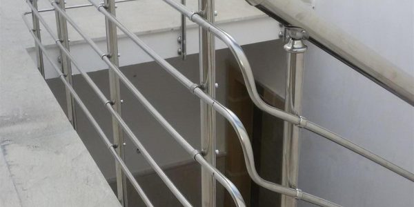 yatay-emniyetli-paslanmaz-merdiven-korkuluk(16)