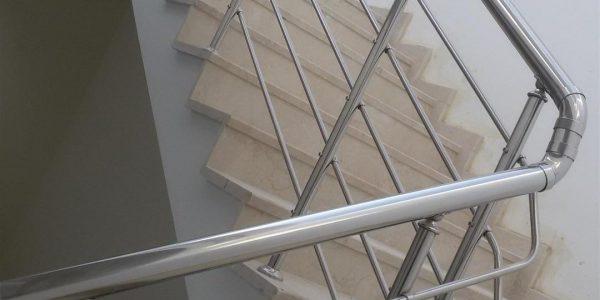 yatay-emniyetli-paslanmaz-merdiven-korkuluk(32)