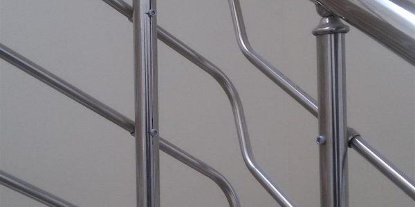 yatay-emniyetli-paslanmaz-merdiven-korkuluk(38)