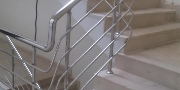 yatay-emniyetli-paslanmaz-merdiven-korkuluk(40)