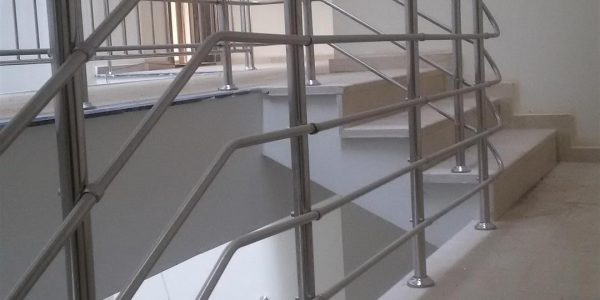 yatay-emniyetli-paslanmaz-merdiven-korkuluk(43)