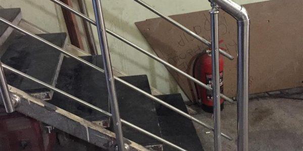 yatay-emniyetli-paslanmaz-merdiven-korkuluk(52)