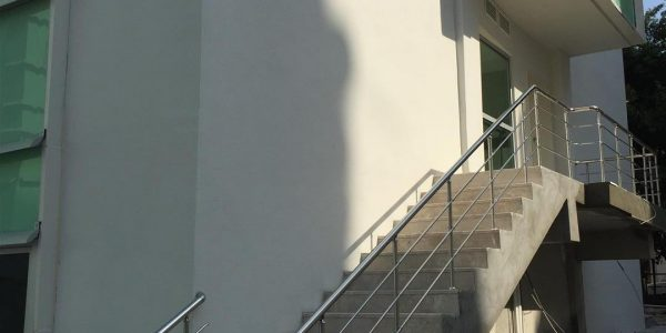 yatay-emniyetli-paslanmaz-merdiven-korkuluk(55)