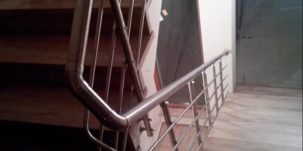 yatay-emniyetli-paslanmaz-merdiven-korkuluk(96)